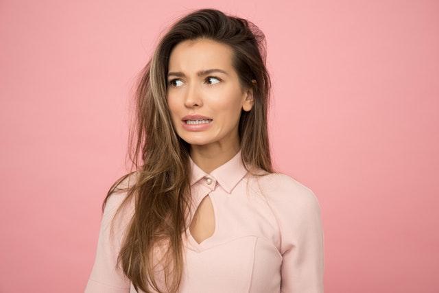 מותר לבצע הסרת שיער בלייזר לפני גיל 18?
