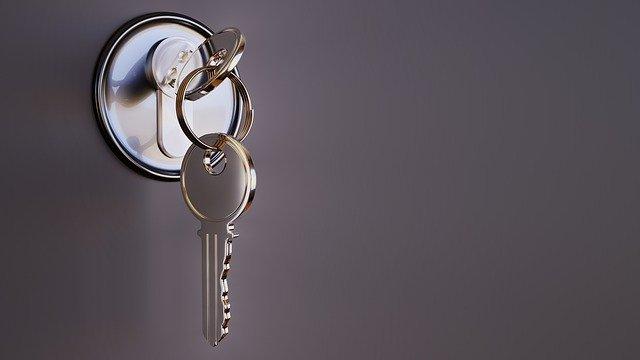 מה עושים כאשר ננעלים מחוץ לבית ללא מפתח